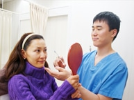PRP皮膚若返り治療施術風景